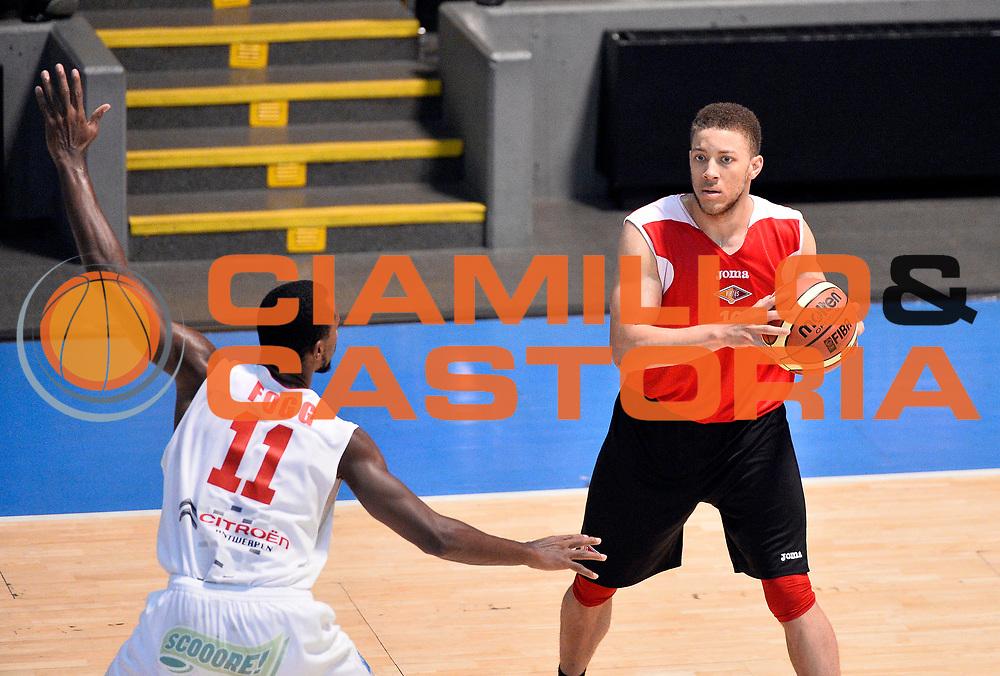 DESCRIZIONE : Bormio Lega A 2014-15 amichevole Acea Virtus Roma - Antwerp Giants Anversa<br /> GIOCATORE : Brandon Triche<br /> CATEGORIA : palleggio<br /> SQUADRA : Acea Virtus Roma<br /> EVENTO : Valtellina Basket Circuit 2014<br /> GARA : Acea Virtus Roma - Antwerp Giants Anversa<br /> DATA : 09/09/2014<br /> SPORT : Pallacanestro <br /> AUTORE : Agenzia Ciamillo-Castoria/R.Morgano<br /> Galleria : Lega Basket A 2014-2015  <br /> Fotonotizia : Bormio Lega A 2014-15 amichevole Acea Virtus Roma - Antwerp Giants Anversa<br /> Predefinita :
