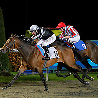 Don't Have It Then and Robert Winston winning the 6.45 race
