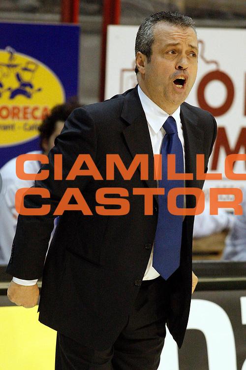 DESCRIZIONE : Livorno Lega A2 2008-09 Carmatic Pistoia Enel Brindisi<br /> GIOCATORE : Coach Perdichizzi Giovanni<br /> SQUADRA : Enel Brindisi<br /> EVENTO : Campionato Lega A2 2008-2009<br /> GARA : Carmatic Pistoia Enel Brindisi<br /> DATA : 02/11/2008<br /> CATEGORIA : <br /> SPORT : Pallacanestro<br /> AUTORE : Agenzia Ciamillo-Castoria/Stefano D'Errico