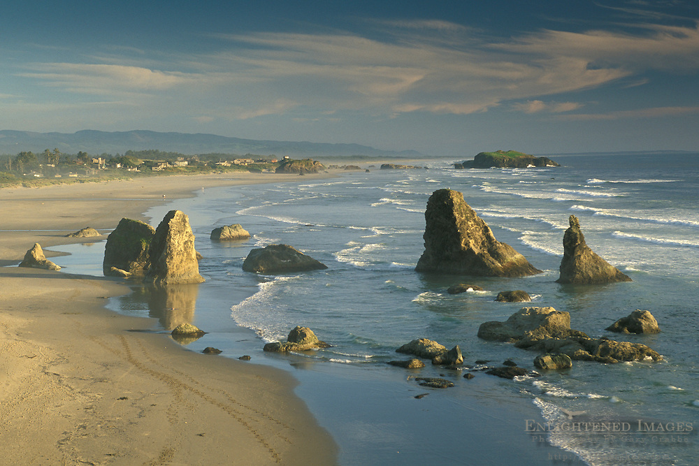 Overlooking coastal rock sea stacks, ocean waves, and sand beach, Bandon State Beach, Oregon