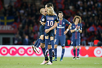 Fotball<br /> Frankrike<br /> Foto: Dppi/Digitalsport<br /> NORWAY ONLY<br /> <br /> Zlatan Ibrahimovic (psg) with their children on the playground during the French Championship Ligue 1 football match between Paris Saint Germain and FC Nantes on May 14, 2016 at Parc des Princes stadium in Paris, France
