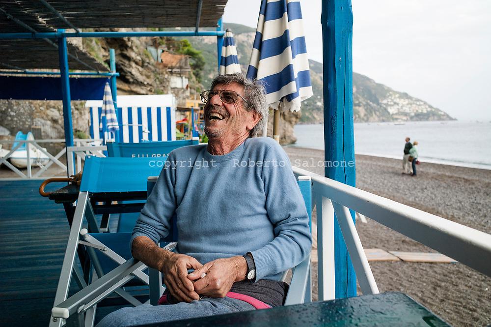 Positano, Italia -Pescatori di Positano. I pesatori positanesi hanno un ruolo fondamentale nell'economia locale in quanto forniscono quotidianamente pesce freschissimo alle strutture alberghiere ed ai privati.