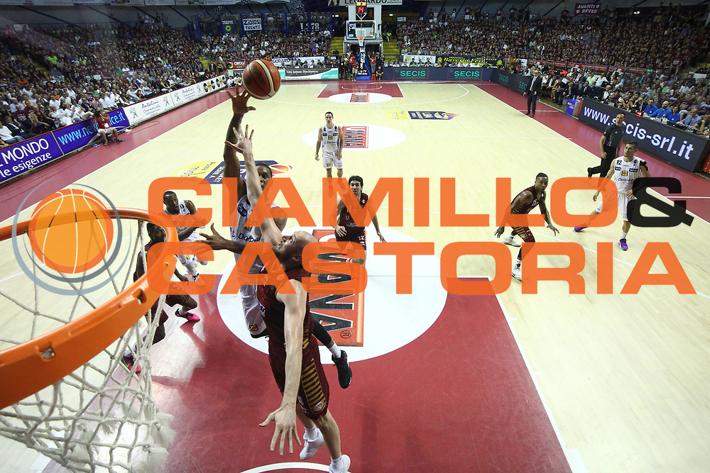 Joao Beto Gomes<br /> Umana Reyer Venezia - Dolomiti Energia Aquila Basket Trento<br /> Lega Basket Serie A 2016/17 Finali Gara 02<br /> Venezia, 12/06/2017<br /> Foto Ciamillo-Castoria / M. Brondi