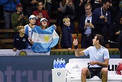 October 21, 2017 - Stockholm, Sweden - 171021 TvÃ¥ argentinska fans under semifinalen av tennisturneringen Stockholm Open den 21 oktober 2017 i Stockholm  (Credit Image: © Erik Simander/Bildbyran via ZUMA Wire)