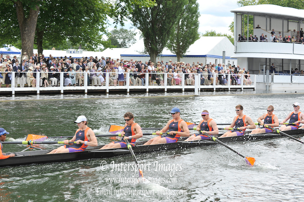 Henley, Great Britain. The Temple Challenge Cup .Status: Hobart College USA.  Henley Royal Regatta. River Thames Henley Reach.  Thursday   30/06/2011  [Mandatory Credit Peter Spurrie r/ Intersport Images] 2011 Henley Royal Regatta. HOT. Great Britain . HRR
