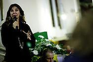 Ultimo saluto a don Andrea Gallo. Veglia. Genova, San Benedetto al Porto, 24 maggio 2013. - Intervento di Alba Parietti.
