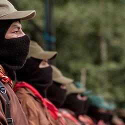 L'esercito zapatista ha deposto le armi da diversi anni, ma continua ad esistere.