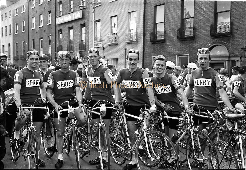 05/08/1962<br /> 08/05/1962<br /> 05 August 1962 <br /> Start of An Rás Tailtean from the G.P.O. Dublin. Picture shows the Kerry Team taking part  (l-r): Gene Mangan; D. Ahern; J. Drumm; L. Moriarty; E. Sheehan and J. Brosnan.