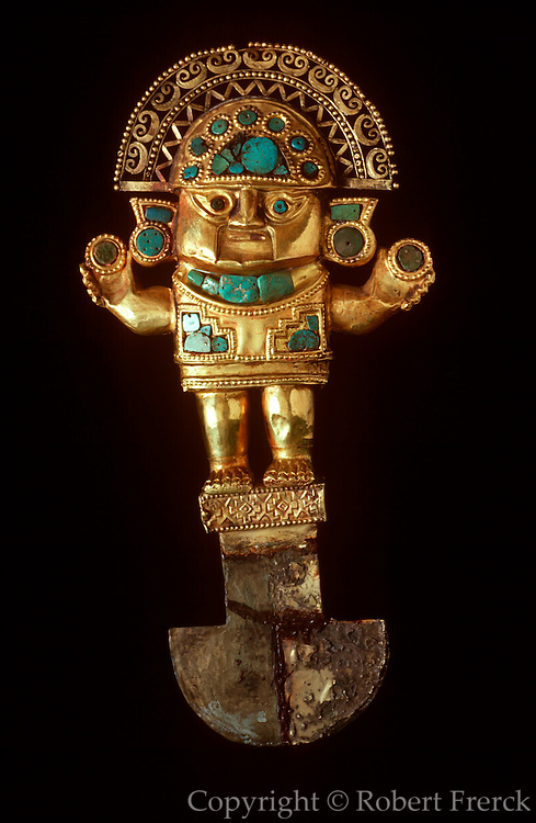 PERU, PRECOLUMBIAN GOLD Chimu; TUMI ceremonial knife