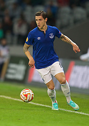 LILLE, FRANCE - Thursday, October 23, 2014: Everton's Muhamed Besic in action against Lille OSC during the UEFA Europa League Group H match at Stade Pierre-Mauroy. (Pic by David Rawcliffe/Propaganda)