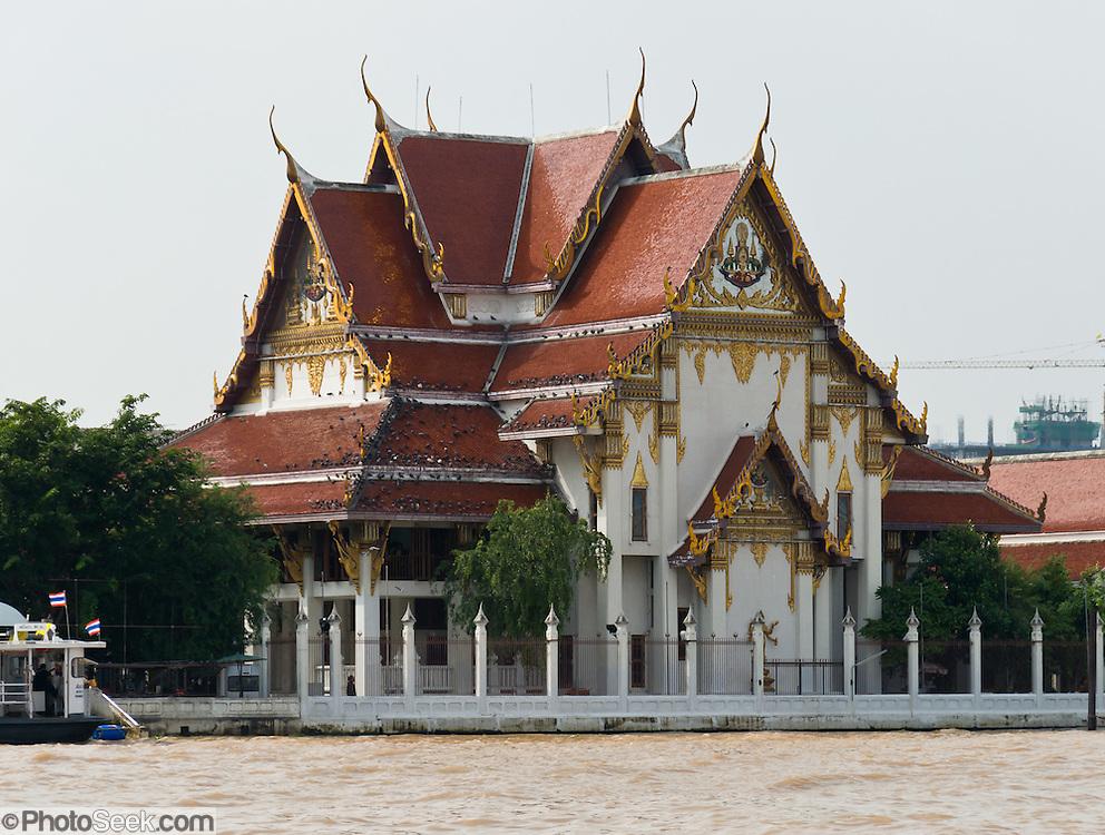 A Buddhist temple on Chao Phraya River, in Bangkok, Thailand