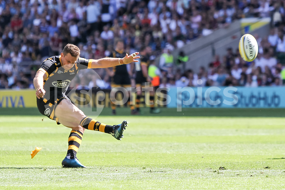 Jimmy Gopperth of Wasps scores a conversion to make it 17-14 during the Aviva Premiership play-off Final between Wasps and Exeter Chiefs at Twickenham Stadium, Twickenham, United Kingdom on 27 May 2017. Photo by Ken Sparks.