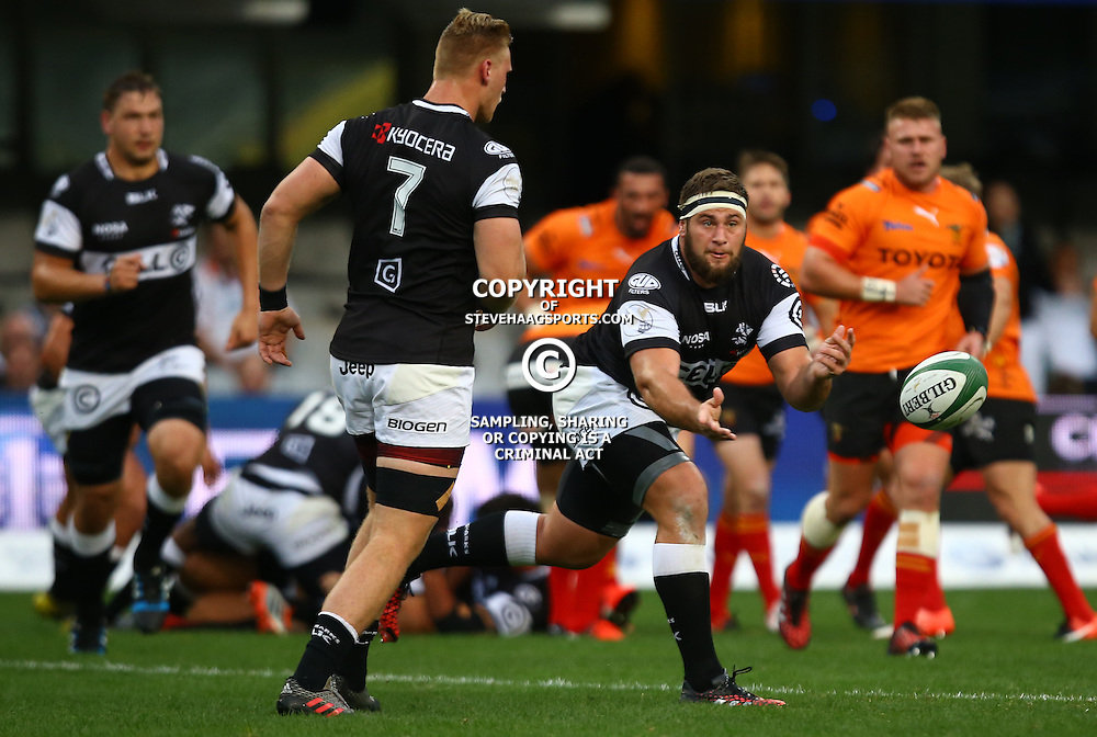 DURBAN, SOUTH AFRICA - SEPTEMBER 10: Thomas du Toit of the Cell C Sharks during the Currie Cup match between the Cell C Sharks and Toyota Cheetahs at Growthpoint Kings Park on September 10, 2016 in Durban, South Africa. (Photo by Steve Haag/Gallo Images)