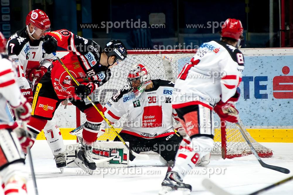 13.10.2015, Ice Rink, Znojmo, CZE, EBEL, HC Orli Znojmo vs HC TWK Innsbruck Die Haie, 11. Runde, im Bild v.l. Dustin Vanballegooie (HC TWK Innsbruck) David Bartos (HC Orli Znojmo) Andy Chiodo (HC TWK Innsbruck) Nicholas Ross (HC TWK Innsbruck) // during the Erste Bank Icehockey League 11th round match between HC Orli Znojmo and HC TWK Innsbruck Die Haie at the Ice Rink in Znojmo, Czech Republic on 2015/10/13. EXPA Pictures © 2015, PhotoCredit: EXPA/ Rostislav Pfeffer