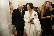Ronnie Grierson and Bianca Jagger, USA Today. Saatchi Gallery and The Royal academy of Arts. Piccadilly. London. 5 October 2006. -DO NOT ARCHIVE-© Copyright Photograph by Dafydd Jones 66 Stockwell Park Rd. London SW9 0DA Tel 020 7733 0108 www.dafjones.com