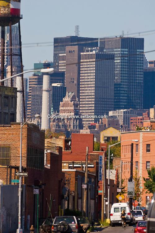 New York. Manhattan midtown  skyline view from Brooklyn,  Williamsburg  New York - United states  /  Manhattan midtown  vue de Brooklyn Williamsburg  New York - Etats-unis
