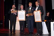 Uitreiking Koning Willem 1 Prijs in theater Diligentia in den Haag.<br /> <br /> <br /> <br /> Presentation of the King Willem 1 award for best inovating company in the Hague.<br /> <br /> <br /> <br /> Op de foto/ On the photo <br /> <br /> Naud Wellink, Willemem Alexander , Winnaar  Bij de ondernemingen tot 250 werknemersSolland Solar Cells in Heerlen en In de categorie met meer dan 250 werknemers Fugro in Leidschendam