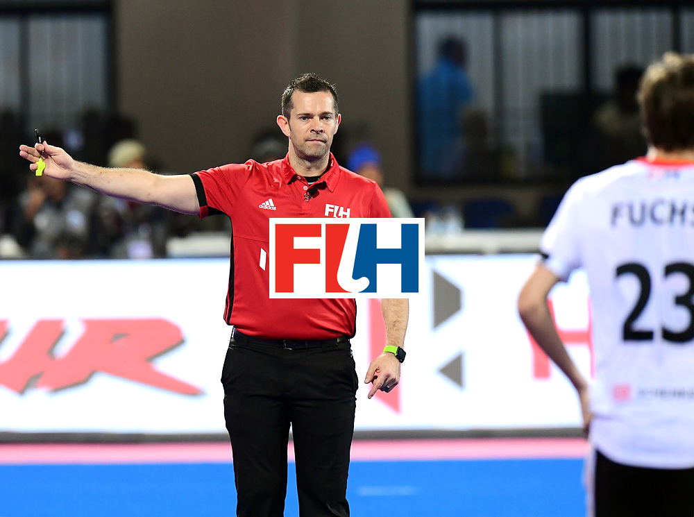 Odisha Men's Hockey World League Final Bhubaneswar 2017<br /> Match id:20<br /> Australia v Germany<br /> Foto: Umpire Martin Madden<br /> COPYRIGHT WORLDSPORTPICS FRANK UIJLENBROEK