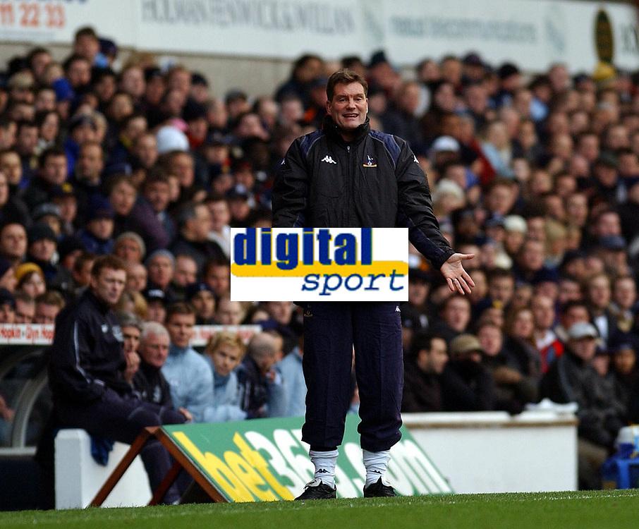 Fotball - Engelsk Premier League - 12.01.2003<br /> Tottenham v Everton<br /> Glenn Hoddle - manager Spurs<br /> Foto: Tim Parker, Digitalsport