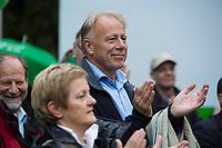 """20 SEP 2013, BERLIN/GERMANY:<br /> Renate Kuenast (L), B90/Gruene, Fraktionsvorsitzende, und Juergen Trittin (R), B90/Gruene, Spitzenkandidat, applaudiren, waehrend einer Wahlkampfveranstaltung """"Wahlkampfhoehepunkt"""", Wahlkampf zur Bundestagswahl 2013, RAW Tempel, Revaler Straße 99, Berlin-Friedrichshain <br /> IMAGE: 20130920-02-070<br /> KEYWORDS: Wahlkampf, Veranstaltung, Renate Künast, Jürgen Trittin, applaus"""