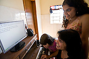 Belo Horizonte_MG, Brasil...Cotidiano de uma familia no bairro Goiania em Belo Horizonte, Minas Gerais...A family routine, She lives in Goiania neighborhood in Belo Horizonte, Minas Gerais...Foto: JOAO MARCOS ROSA /  NITRO