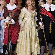 NLD/Amsterdam/20120209 - Bn' ers gefotografeerd als de Nachtwacht voor het Goed Geld Gala 2012, Anita Witzier, Lucille Werner en Boris Dittrich