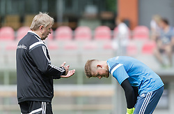 03.06.2015, Steinbergstadion, Leogang, AUT, U 21 EM, Vorbereitung Deutschland, im Bild v.l.: Trainer Horst Hrubesch (Deutschland U21) im Gespräch mit Timo Horn (1. FC Koeln, Deutschland U21) // during Trainingscamp of Team Germany for Preparation of the UEFA European Under 21 Championship at the Steinbergstadium in Leogang, Austria on 2015/06/03. EXPA Pictures © 2015, PhotoCredit: EXPA/ JFK