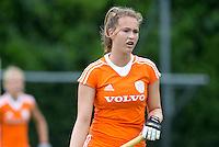 EINDHOVEN - Elsie Nix, zaterdag bij de oefenwedstrijd tussen het Nederlands team van Jong Oranje Dames en dat van de Vernigde Staten. Volgende week gaat het WK-21 in Duitsland van start. FOTO KOEN SUYK