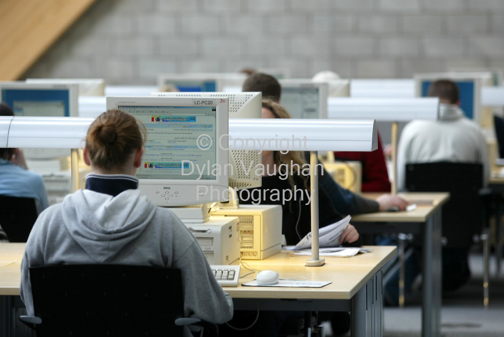 16/4/2002 Irish Times.Education and Living ref Harry Brown..Students pictured studying in the Leabharlann Luke Wadding at Waterford Institute of Technolgy..Picture Dylan Vaughan