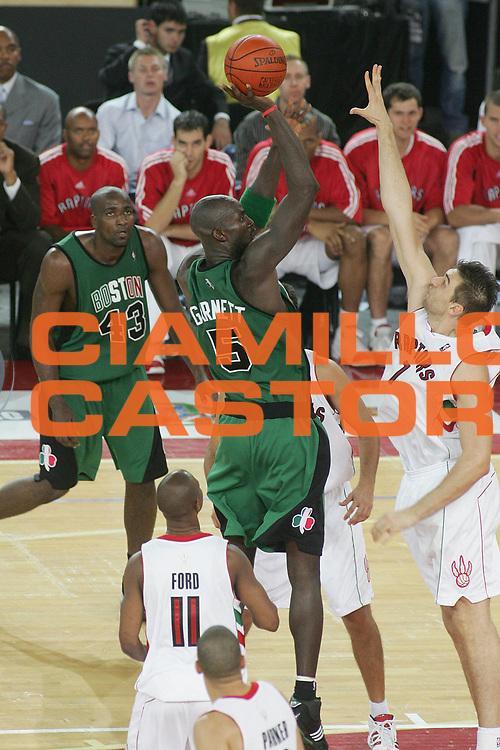 DESCRIZIONE : Roma Nba Europe Live Tour 2007 Toronto Raptors Boston Celtics <br /> GIOCATORE : Kevin Garnett<br /> SQUADRA : Boston Celtics<br /> EVENTO : Nba Europe LIve Tour 2007<br /> GARA : Toronto Raptors Boston Celtics<br /> DATA : 06/10/2007<br /> CATEGORIA : Tiro<br /> SPORT : Pallacanestro<br /> AUTORE : Agenzia Ciamillo-Castoria/M.Minarelli<br /> Galleria : Nba Europe Live Tour 2007<br /> Fotonotizia : Roma Nba Europe Live Tour 2007 Toronto Raptors Boston Celtics <br /> Predefinita :