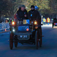 Daimler Tonneau 1897    Driven By   Mr Michael Flather, Bonhams London to Brigthon Veteran Car Run Supported by Hiscox,, 06/11/2016,