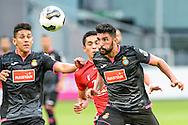 26-07-2016: Voetbal: FC Utrecht v Espanyol: Utrecht<br /> <br /> Alvaro Gonzalez Soberon (Espanyol) kopt de bal<br /> <br /> Oefenwedstrijd in stadion Galgenwaard ter voorbereiding op het Eredivisie seizoen 2016-2017<br /> <br /> Foto: Gertjan Kooij