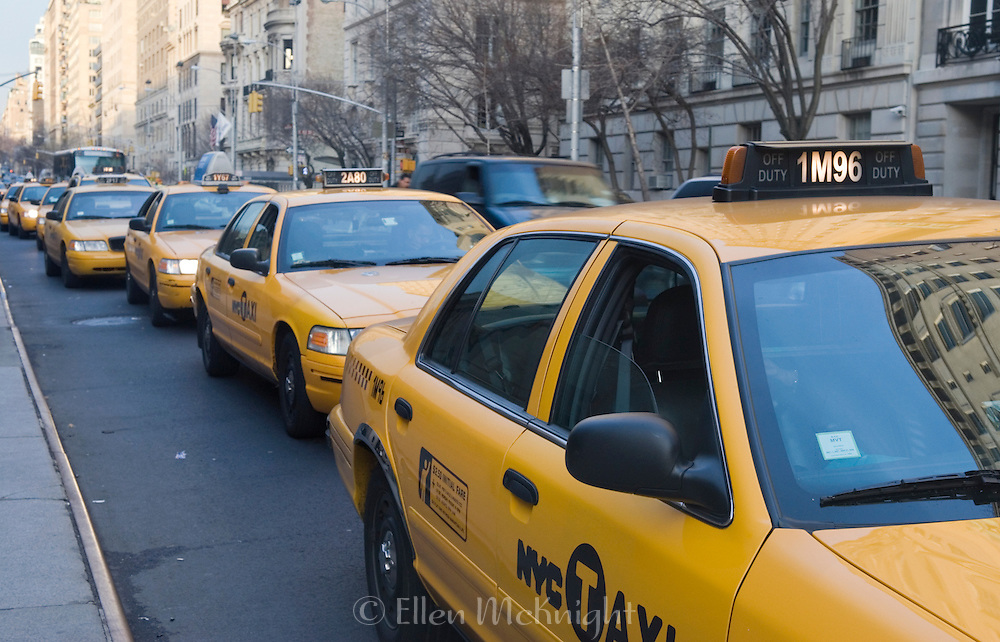 Taxis lined up on Fifth Avenue in New York City