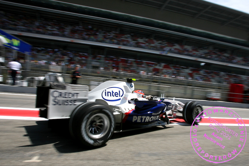 11.05.2007 Barcelona, Spain, .Robert Kubica (POL), BMW Sauber F1 Team, F1.07 - Formula 1 World Championship, Rd 4, Spanish Grand Prix, Friday Practice .FOT. XPB.CC / WROFOTO.*** POLAND ONLY !!! ***.*** NO INTERNET / MOBILE USAGE ***