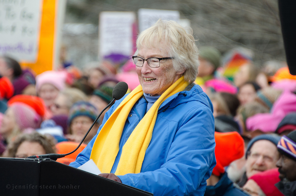 Augusta, Maine, USA. 21st Jan, 2017.  Julia Kahrl, Founder of Grandmothers for Reproductive Rights, addresses the Women's March on Maine rally in front of the Maine State Capitol. The March on Maine is a sister rally to the Women's March on Washington.