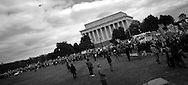 Thousands march to the Pentagon in protest of the Iraq war. ..photo: Hector Emanuel