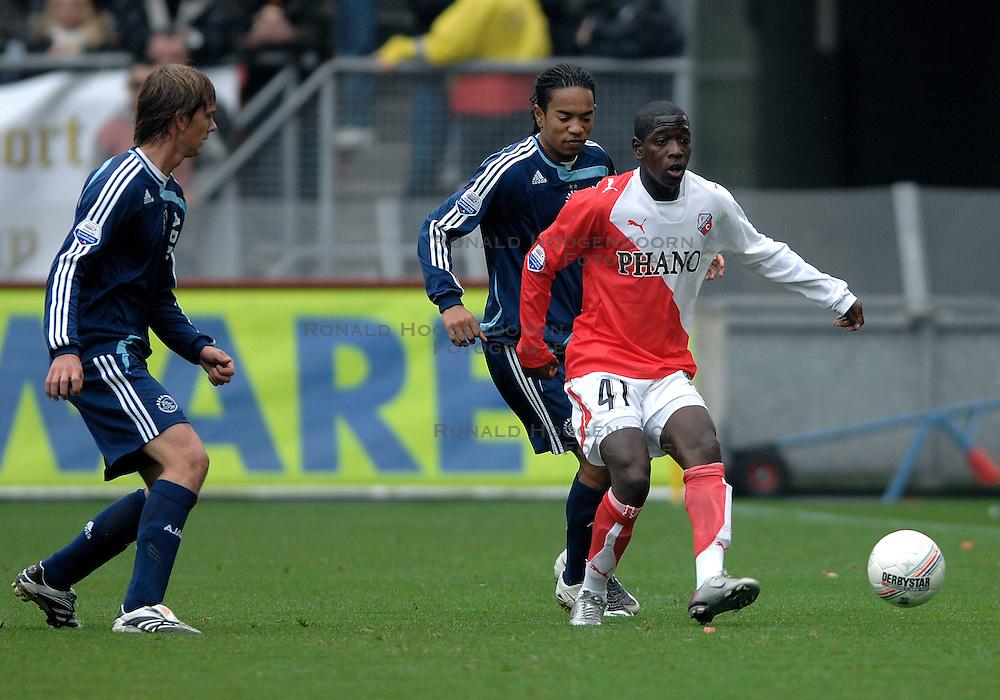 28-10-2007 VOETBAL: FC UTRECHT - AJAX: UTRECHT<br /> Ajax wint met 1-0  van Utrecht / Leroy George en Urby Emanuelson<br /> &copy;2007-WWW.FOTOHOOGENDOORN.NL