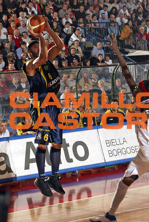 DESCRIZIONE : Biella Lega A1 2007-08 Angelico Biella Legea Scafati <br /> GIOCATORE : Joel Salvi<br /> SQUADRA : Legea Scafati<br /> EVENTO : Campionato Lega A1 2007-2008 <br /> GARA : Angelico Biella Legea Scafati  <br /> DATA : 25/11/2007 <br /> CATEGORIA : Tiro<br /> SPORT : Pallacanestro <br /> AUTORE : Agenzia Ciamillo-Castoria/E.Pozzo
