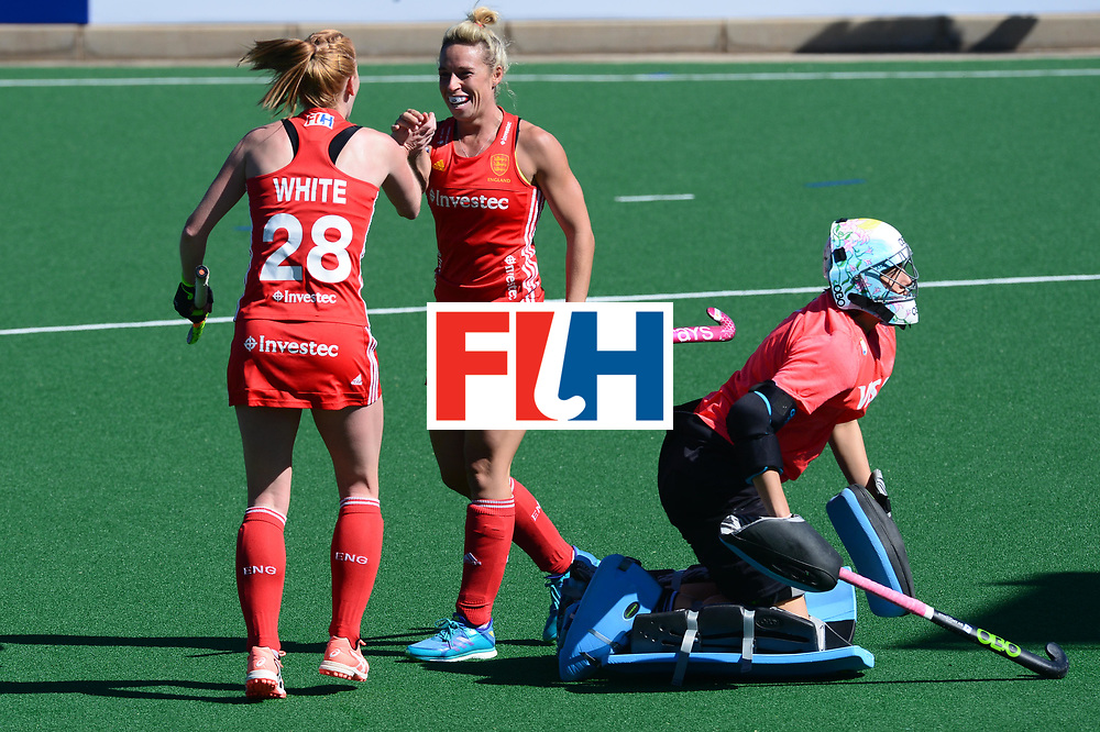 JOHANNESBURG, SOUTH AFRICA - JULY 23: Nicola White and Susannah Townsend of England celebrate during day 9 of the FIH Hockey World League Women's Semi Finals 3rd-4th place match between England and Argentina at Wits University on July 23, 2017 in Johannesburg, South Africa. (Photo by Getty Images/Getty Images)