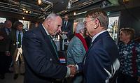 UTRECHT -  aftredend president, Willem Zelsmann, met  Rolf Olland , oud president. . Algemene Ledenvergadering van de Nederlandse Golf Federatie NGF.   COPYRIGHT KOEN SUYK