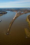 Nederland, Gelderland, Gelderse Poort, 07-03-2010; Pannerdensche Kop, de Rijn, afkomstig uit Duitsland, splitst zich in Pannerdensch Kanaal en Waal (links, richting Nijmegen). .'Pannerden Head', the Rhine coming from Germany, is divided into Pannerdensch Channel and Waal (to Nijmegen)..luchtfoto (toeslag), aerial photo (additional fee required).foto/photo Siebe Swart