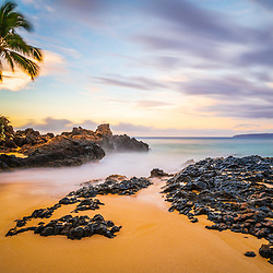 Secret Cove Wedding Beach Maui Hawaii sunrise photo with Ahihi Bay. Also called Pa'ako Cove and Makena Cove, Secret Cove is a popular beach in Wailea Kihei Hawaii. Copyright ⓒ 2019 Paul Velgos with All Rights Reserved.