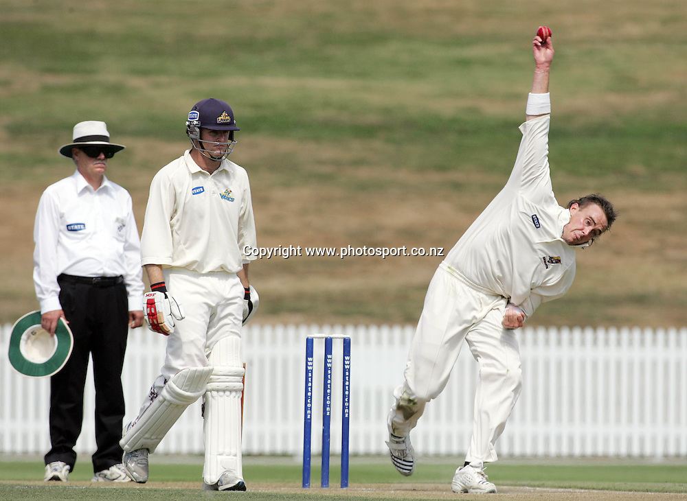Northern Knights bowler Graeme Aldridge during the State Championship cricket match between the Northern Knights and the Otago Volts at Seddon Park, Hamilton, New Zealand on Tuesday 6 March 2007. Photo: Hannah Johnston/PHOTOSPORT<br /><br /><br /><br />060307