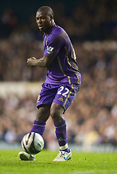 LONDON, ENGLAND - Tuesday, October 27, 2009: Everton's Ayegbeni Yakubu in action against Tottenham Hotspur during the League Cup 4th Round match at White Hart Lane. (Photo by David Rawcliffe/Propaganda)