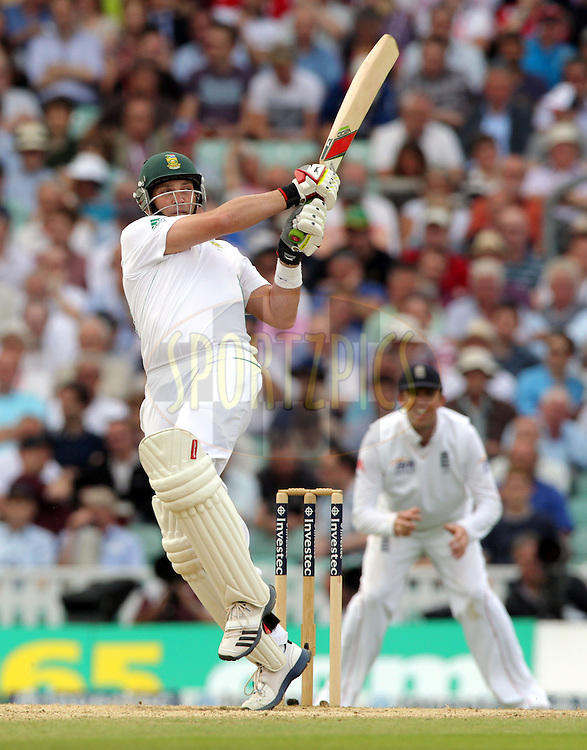 © Andrew Fosker / Seconds Left Images 2012 - South Africa's Jacques Kallis pulls a short ball for four  - England v South Africa - 1st Investec Test Match -  Day 3 - The Oval  - London - 21/07/2012