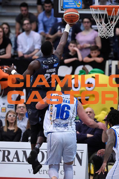 Hogue Dustin<br /> Quarti di Finale Gara 2<br /> Legabasket A 2016,2017<br /> Trento 14,05,2017<br /> Foto Ciamillo-Castoria,GiulioCiamillo