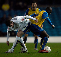 Photo: Jed Wee/Sportsbeat Images.<br /> Leeds United v Hereford United. Coca Cola League 1. 20/11/2007.<br /> <br /> Hereford's Theo Robinson (R) tussles with Leeds' Paul Huntington.