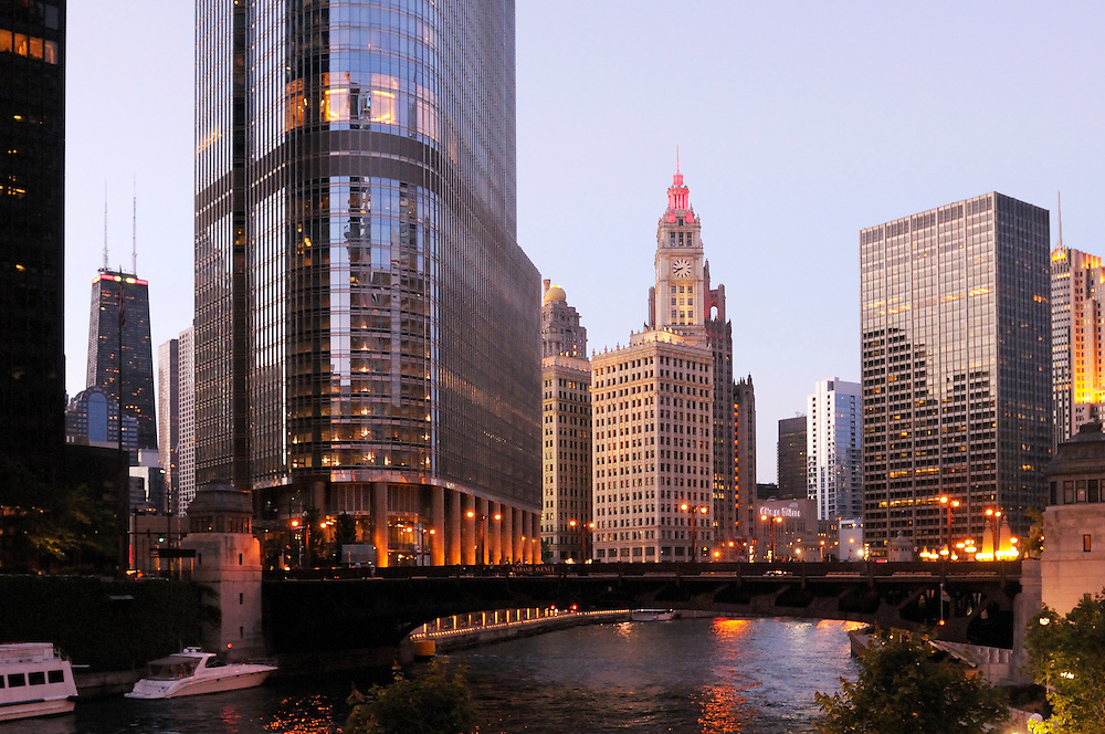 Evening light at Chicago River, Chicago, Illinois, USA