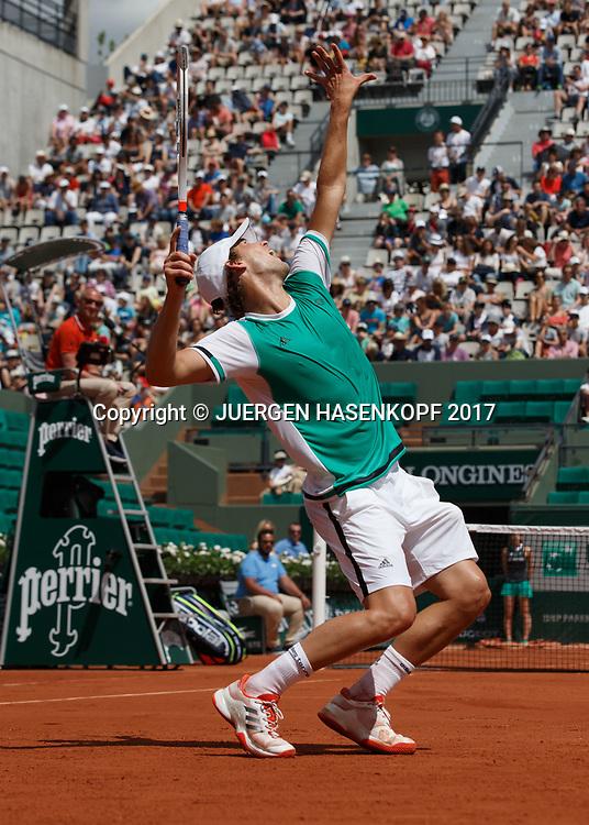 DOMINIC THIEM (AUT), Aufschlag,<br /> <br /> Tennis - French Open 2017 - Grand Slam ATP / WTA -  Roland Garros - Paris -  - France  - 31 May 2017.