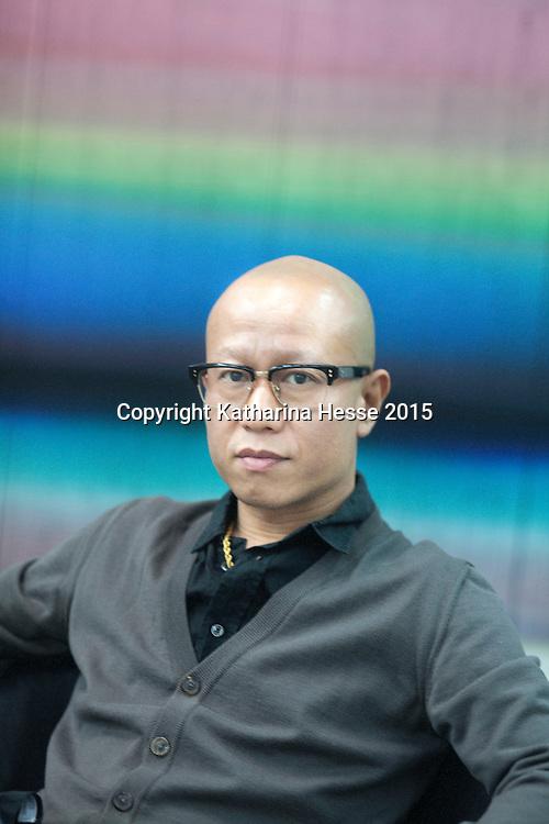 Beijing, 3.Dez.2015 : der Chinesische Kuenstler Liu Wei in seinem Pekinger Atelier.